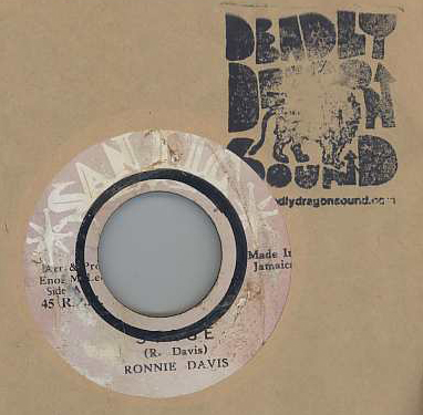 Ronnie Davis - Stage